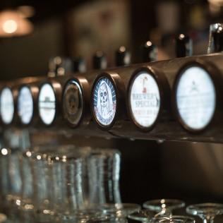 R&A-olutta Panimoravintola Bruuverissa. Kuva: Marko Oja