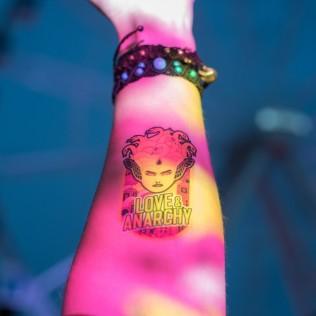 Rakkautta & Anarkiaa -tatuointi. Kuva: Mari Mur