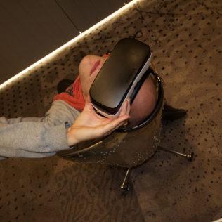 Virtual Reality -lyhytelokuvia Elisa Kulmassa. Kuva Hannes Renvall.
