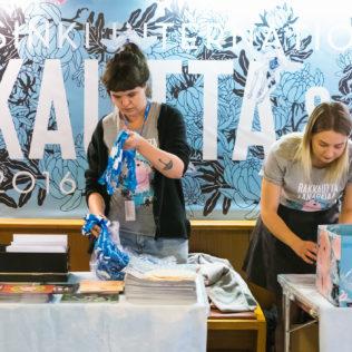 Festivaali-info aukeaa. Kuva Mikko Kauppinen