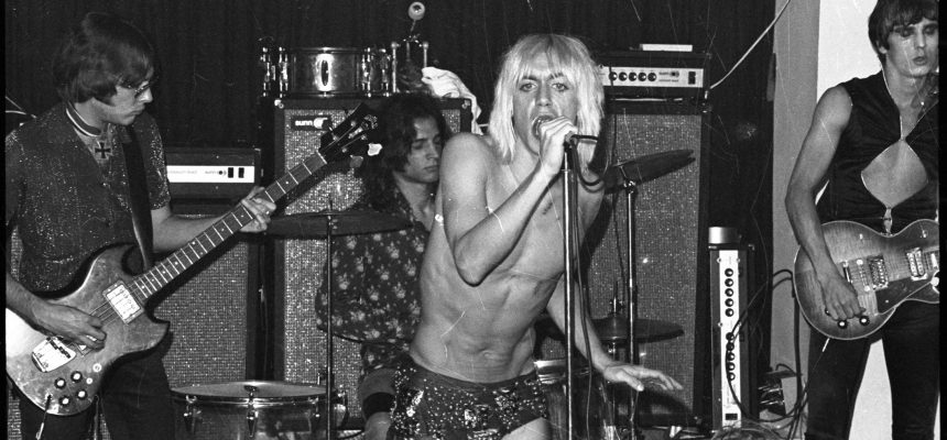 Gimme Danger (c) Danny Fields_Gillian McCain Iggy and the stooges Max's 29600C6-22