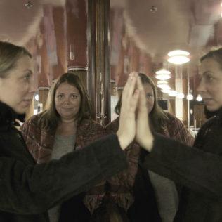 Ohjaaja Alexandra-Therese Keining (ohjaaja) ja Sophia Ersson (säveltäjä) (Girls Lost). Kuva Kati Kiviniemi.