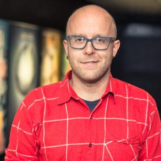 Tuottaja Jussi Rantamäki (Hymyilevä mies). Kuva Lauri Hassi.
