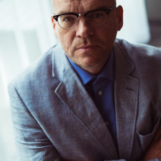 Ohjaaja John Michael McDonagh (War on Everyone). Kuva Mikko Kauppinen.